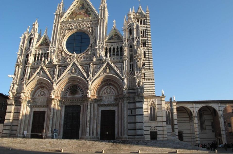 Dom Fassade Siena